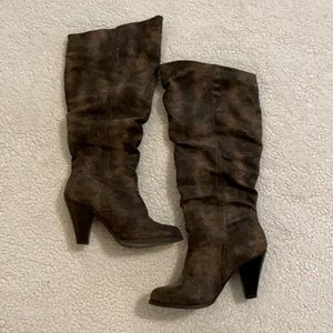 Elyse Size 7 Slouchy Distressed Brown Boot